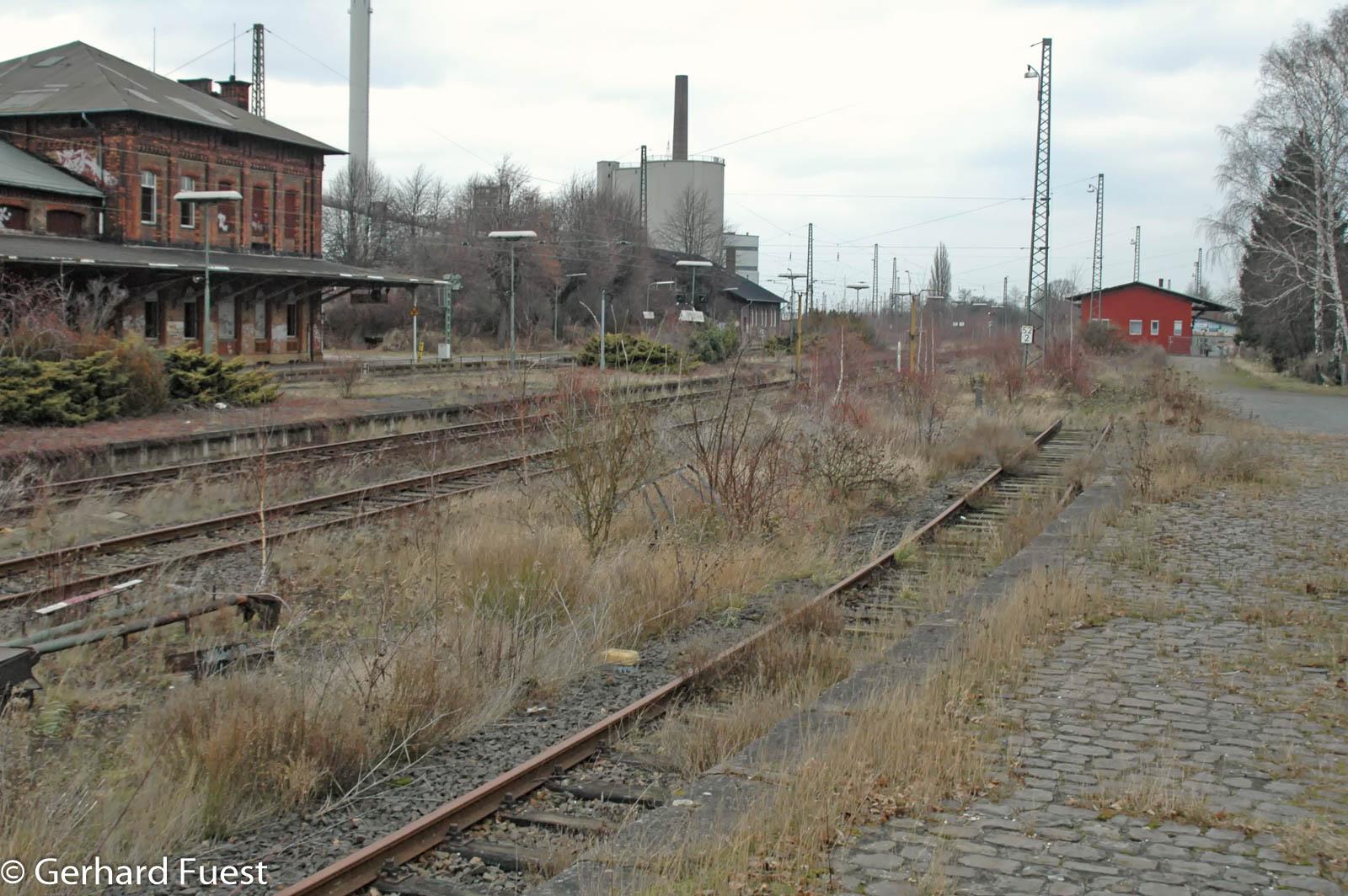 Bahnhofsansichten vor dem Umbau 2005, Gesamtansichten, Züge und Details